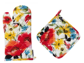 Poppin' Poppies Oven Mitt & Pot Holder Set Giveaway