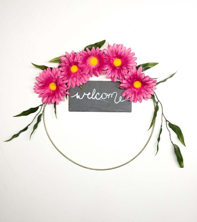Daisy Wreath Hoop with Welcome Sign
