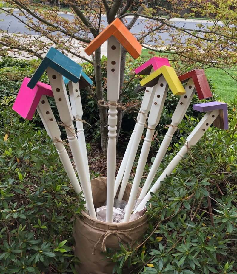Birdhouse Garden Stakes | Garden Decor | Bird Feeder Station Ideas |