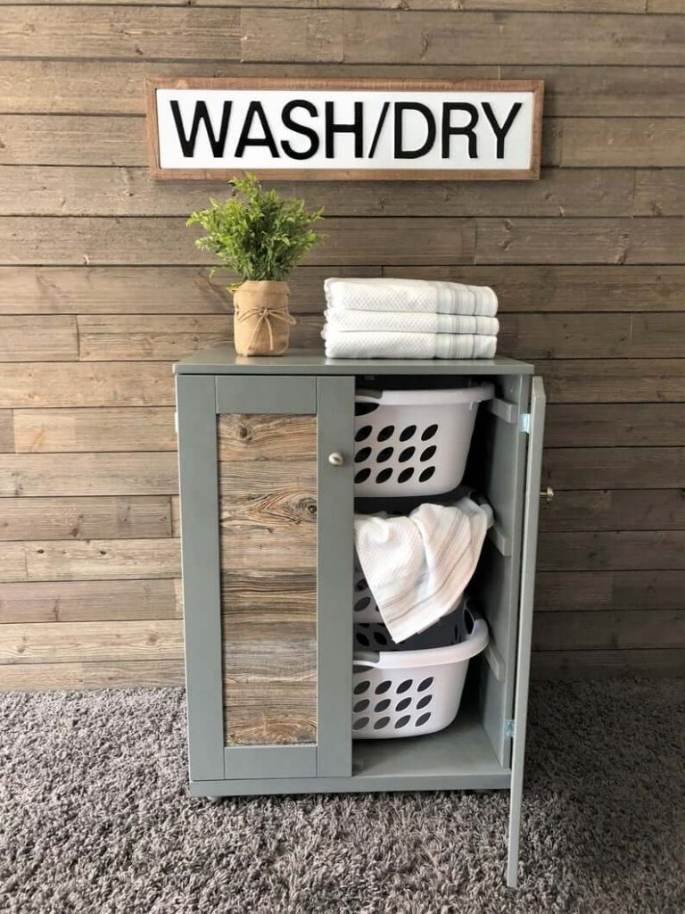 Stand-up laundry sorter with laundry baskets